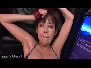 Akari Minamino having her twat toyed to orgasm